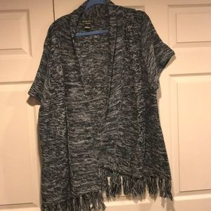 Sweaters - Woman's Plus Size Short Sleeve Cardigan. Size 3X
